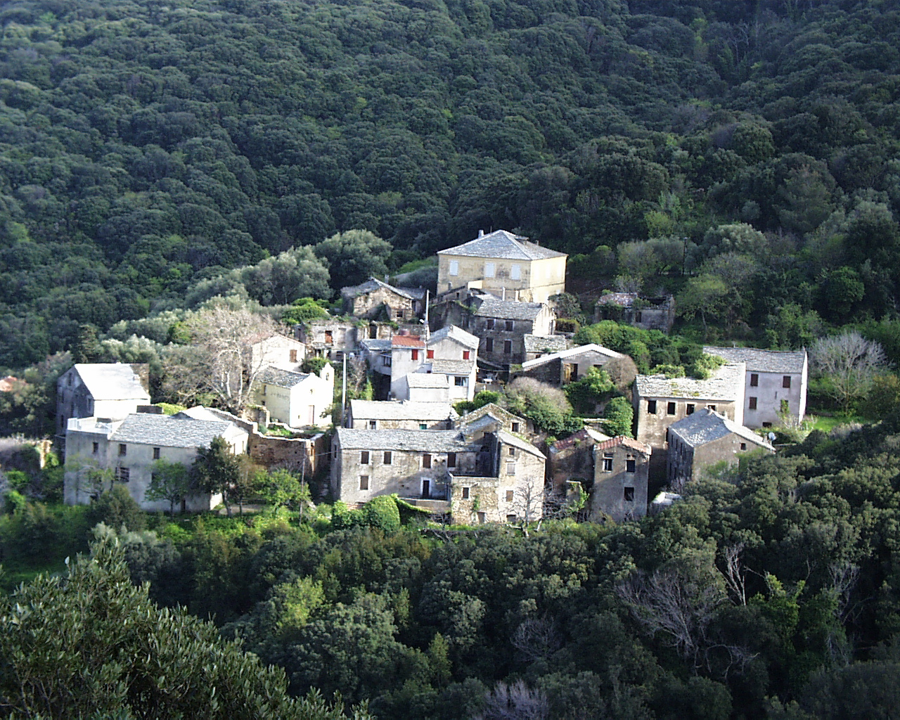A small village near Capo Grosso